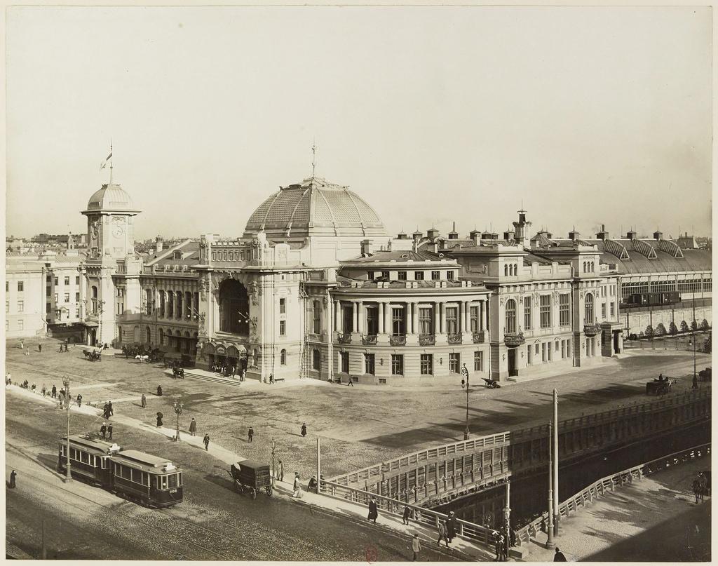 Вид на Введенский канал и Царскосельский вокзал. 1910