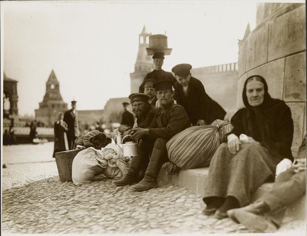 У лобного места. 1913
