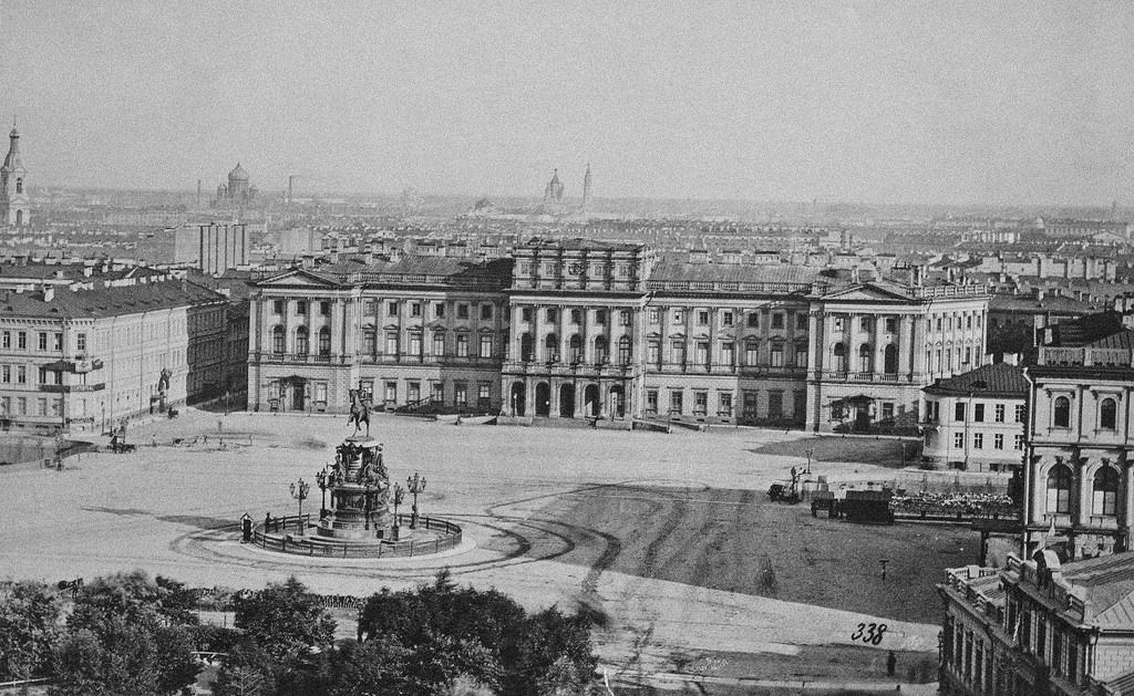 Мариинский дворец и памятник Николаю I. 1874