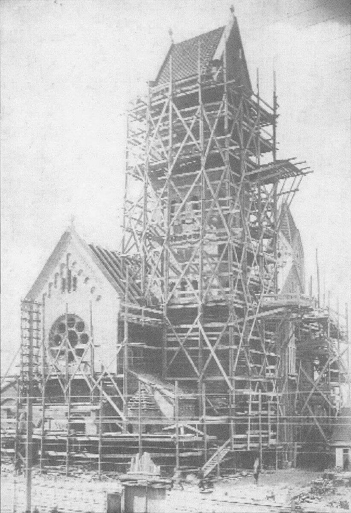 Строительство Красного костёла, 1908
