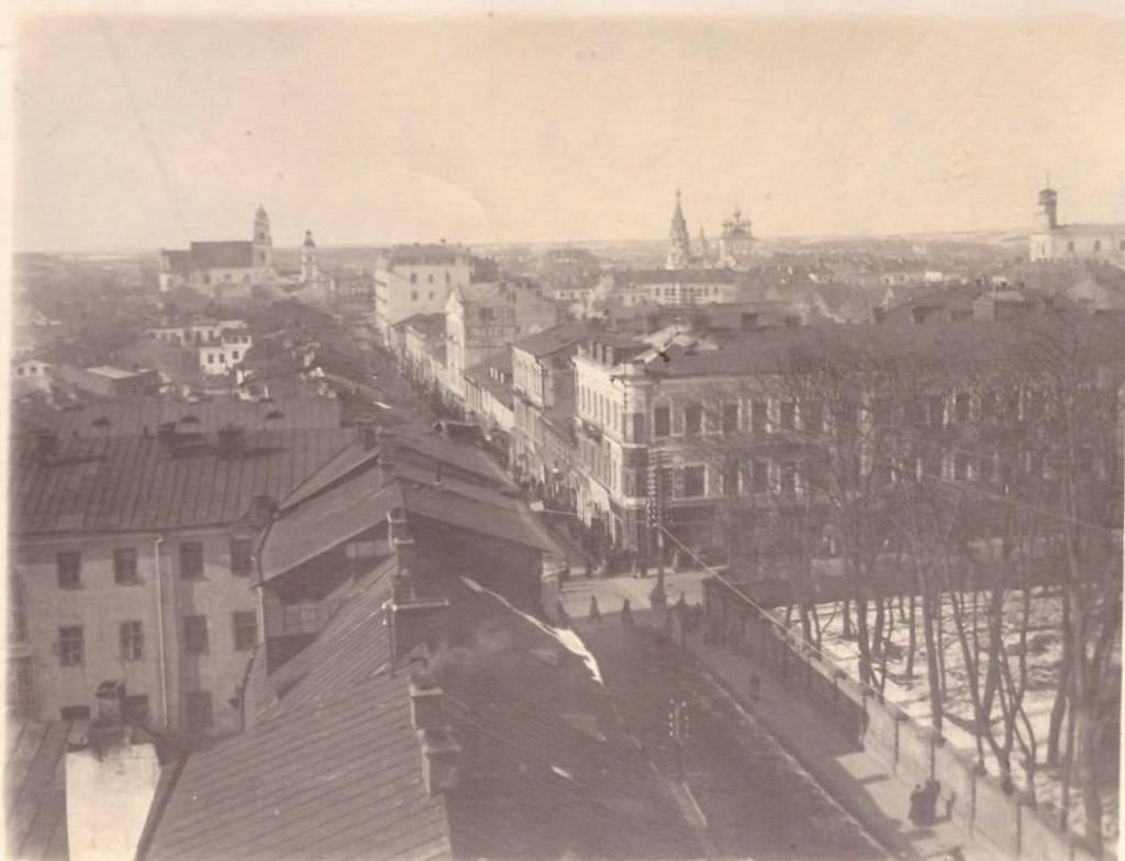 Перекресток Захарьевской и Губернаторской улиц
