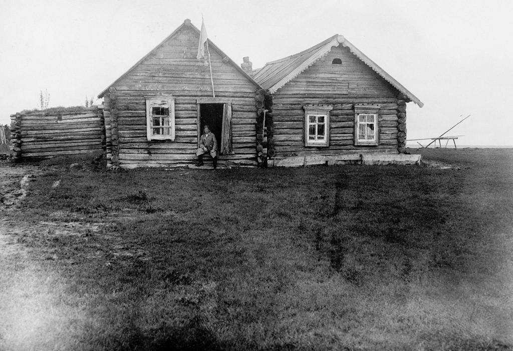 Дом в селе Курейка, где жил И.В.Сталин в ссылке