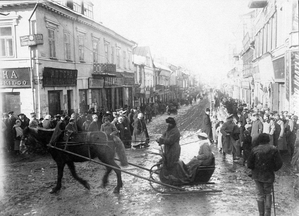 Угол Захарьевской и Губернаторской улиц