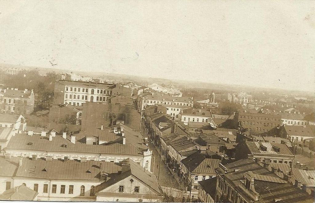 Вид с колокольной башни Доминиканского костела в сторону Захарьевской улицы