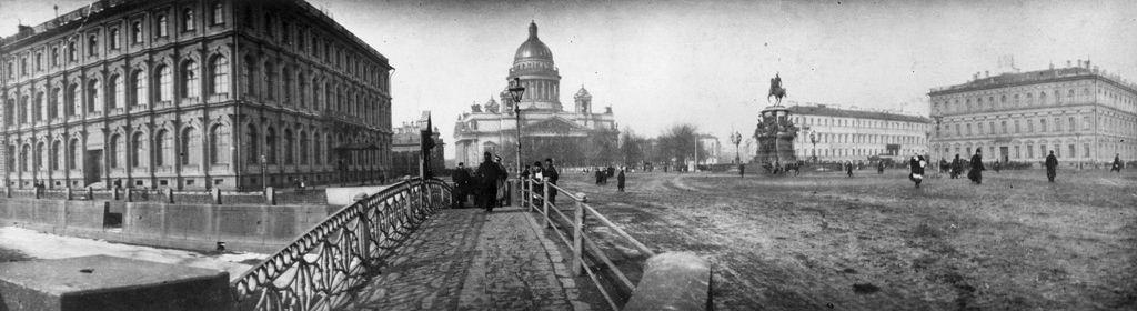 Памятник Николаю I на Исаакиевской площади