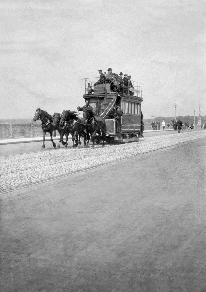 Конка на Троицком мосту