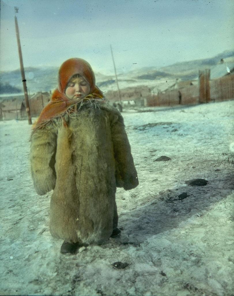 Ребенок в зимней одежде