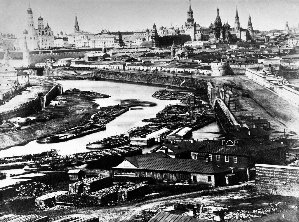 Вид на Кремль и Москву-реку