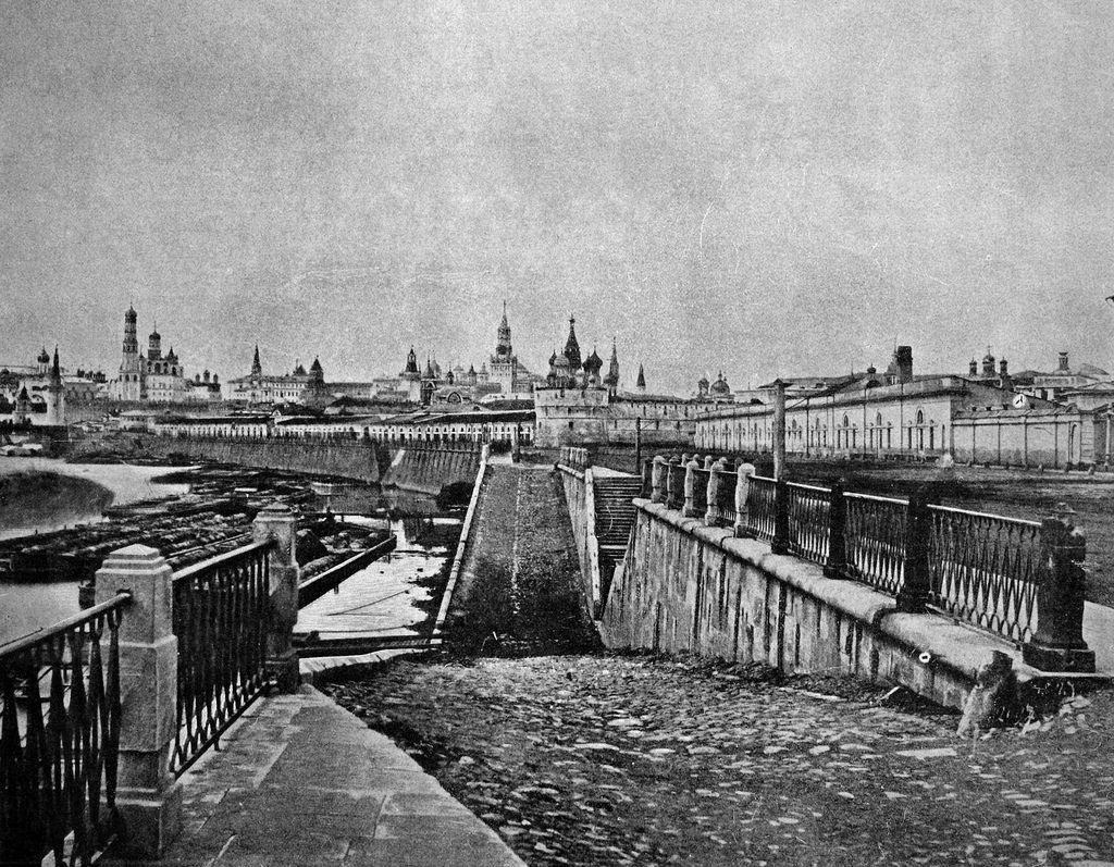 Вид на Кремль от Москворецкой набережной. 1858