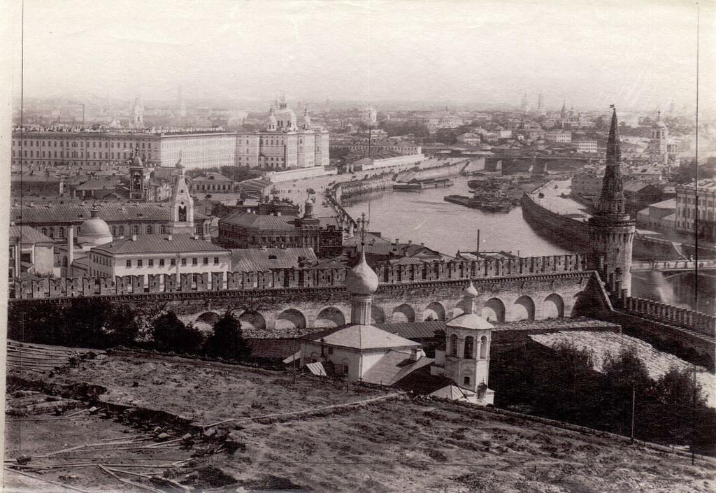 Вид с колокольни Ивана Великого. 1890
