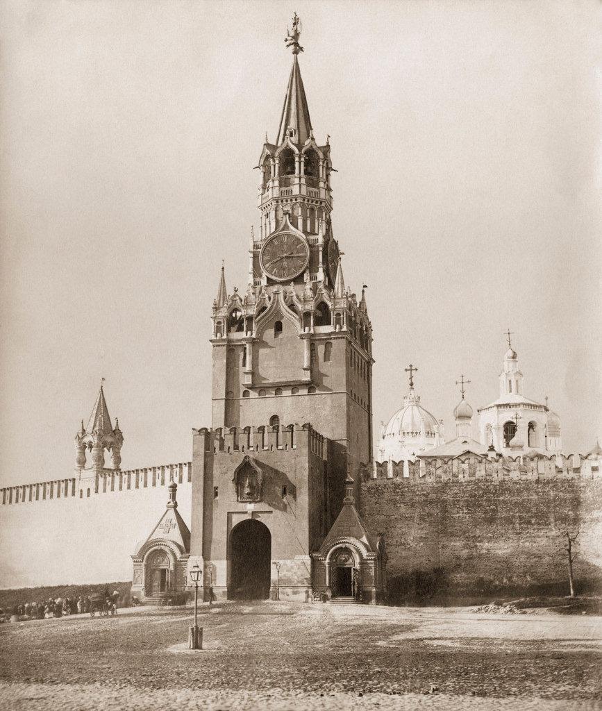 Спасская башня, Спасские ворота и Вознесенский монастыр