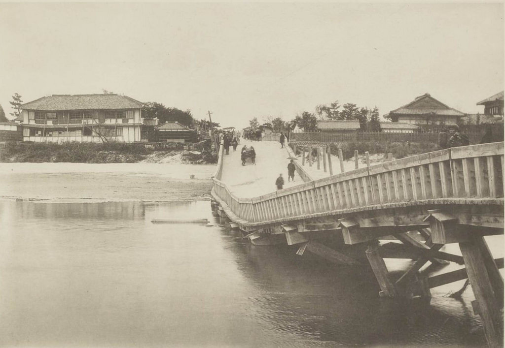Мост через Биваджиму