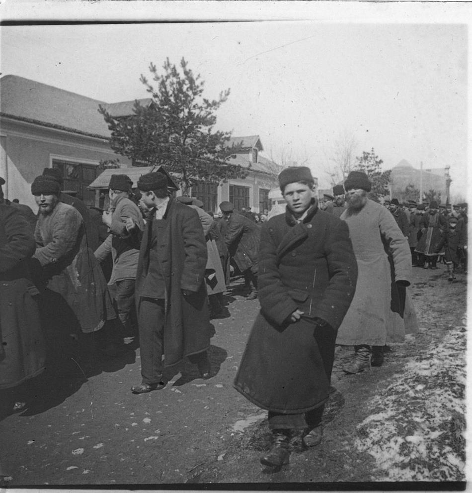 Подъем колокола на колокольню Владимирской церкви. Мытищи. 1900-е.