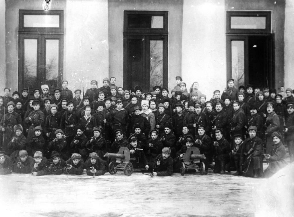 Матросы, разогнавшие Учредительное собрание, 6 января