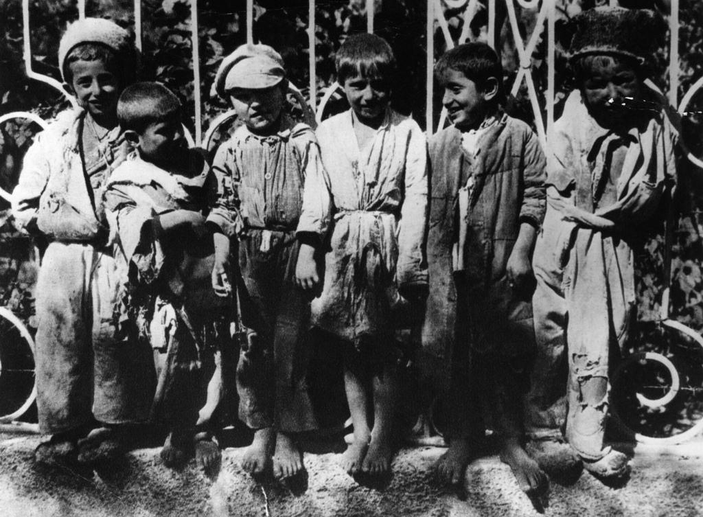 Босоногие сироты в Ростове-на-Дону