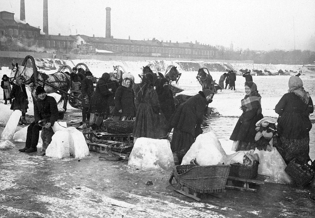 Даниловские мануфактуры. Заготовка льда. 1900-е