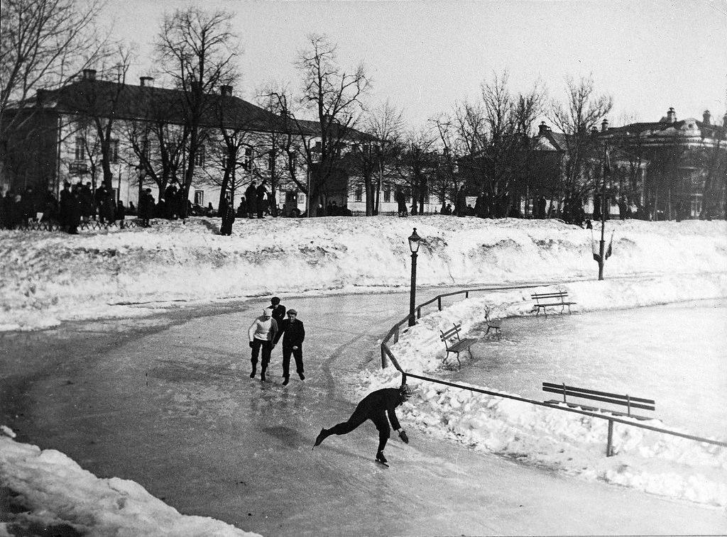Каток на Патриарших прудах. 1900