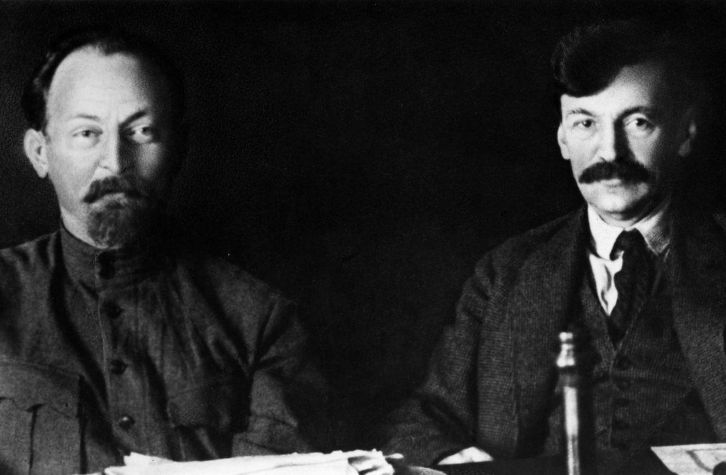 1922. Ф.Э.Дзержинский с Вячеславом Менжинским