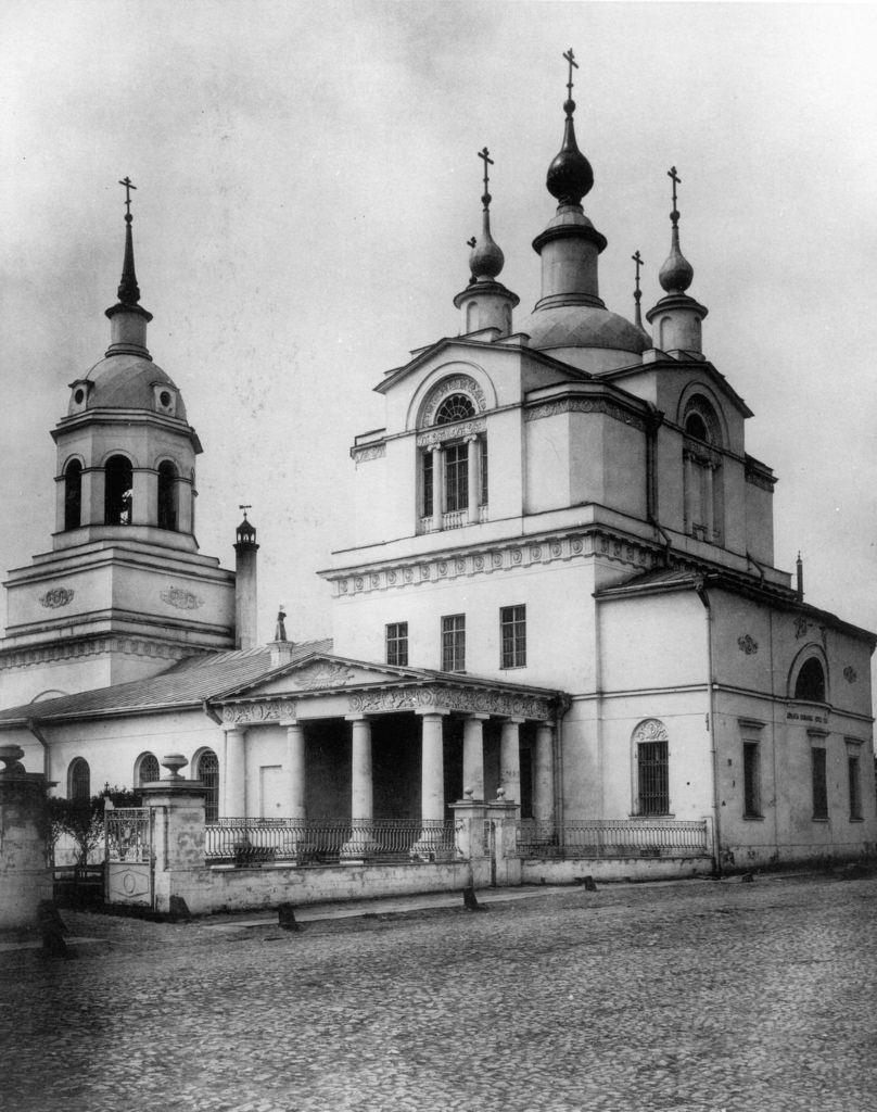 Церковь Покрова Пресвятой Богородицы в Красном селе