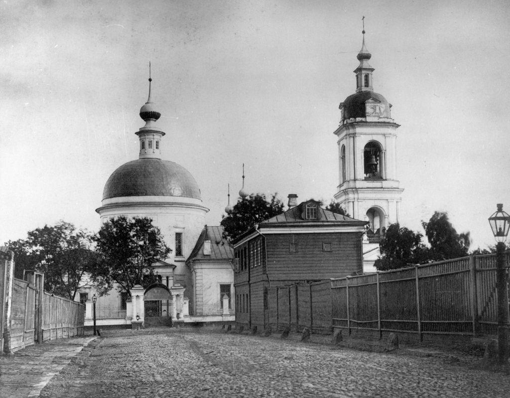 Церковь св. вмц. Ирины в Покровском