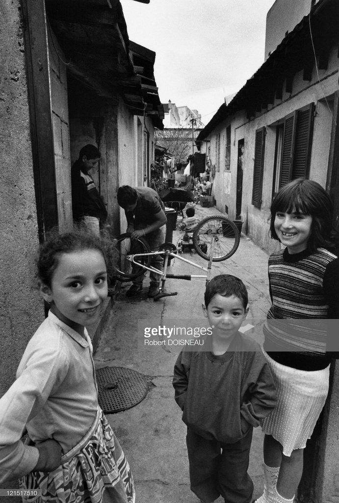 Сен-Дени. Дети на улице. Париж