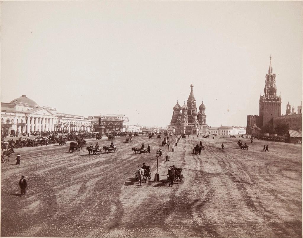 Вид Красной площади в сторону Покровского собора. 1690-е.