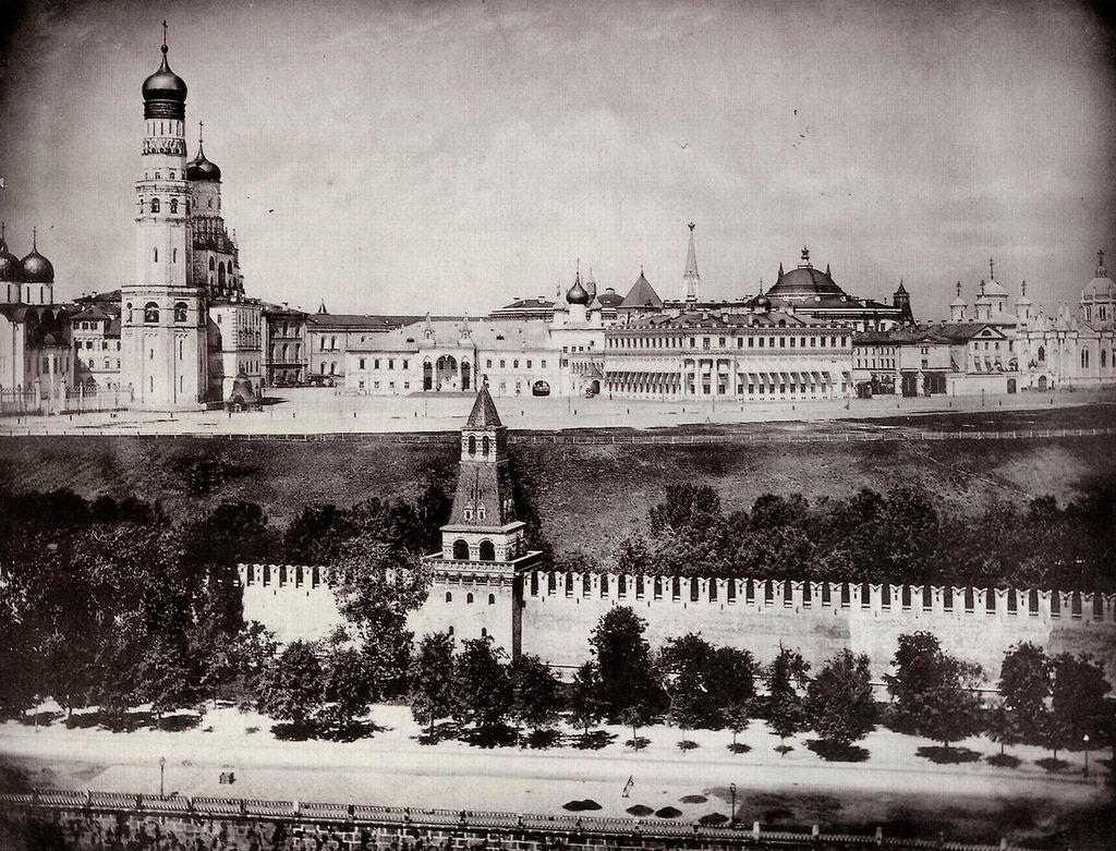 Вид с Софийской колокольни на Ивановскую площадь. 1878