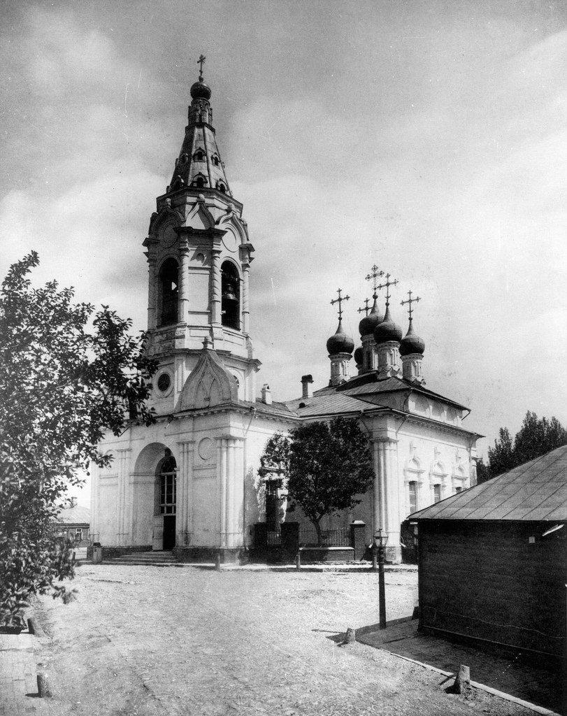 Церковь Благовещения Божией Матери на Бережках близ Плющихи