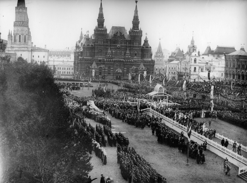 Служба на Красной площади в честь столетия Отечественной войны 1812 года