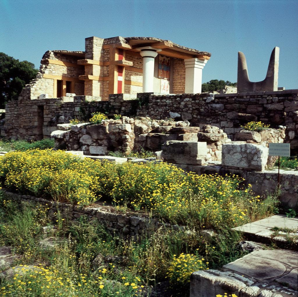 Кносский дворец. Юго-восточный пропилеон