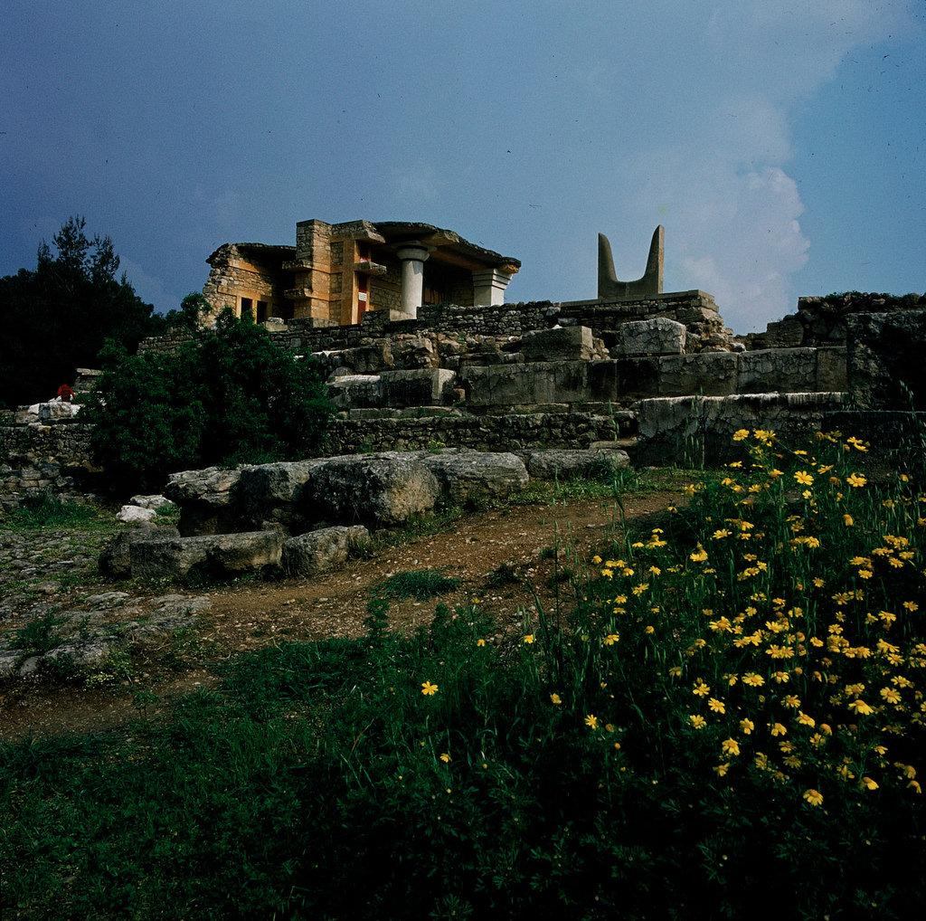 Кносский дворец. Южный пропилион, стены основания Южного коридора