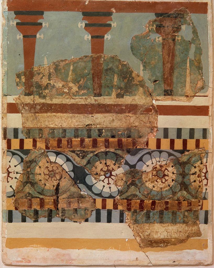 Архитектура с колоннами и культовыми рогами (фрагмент)