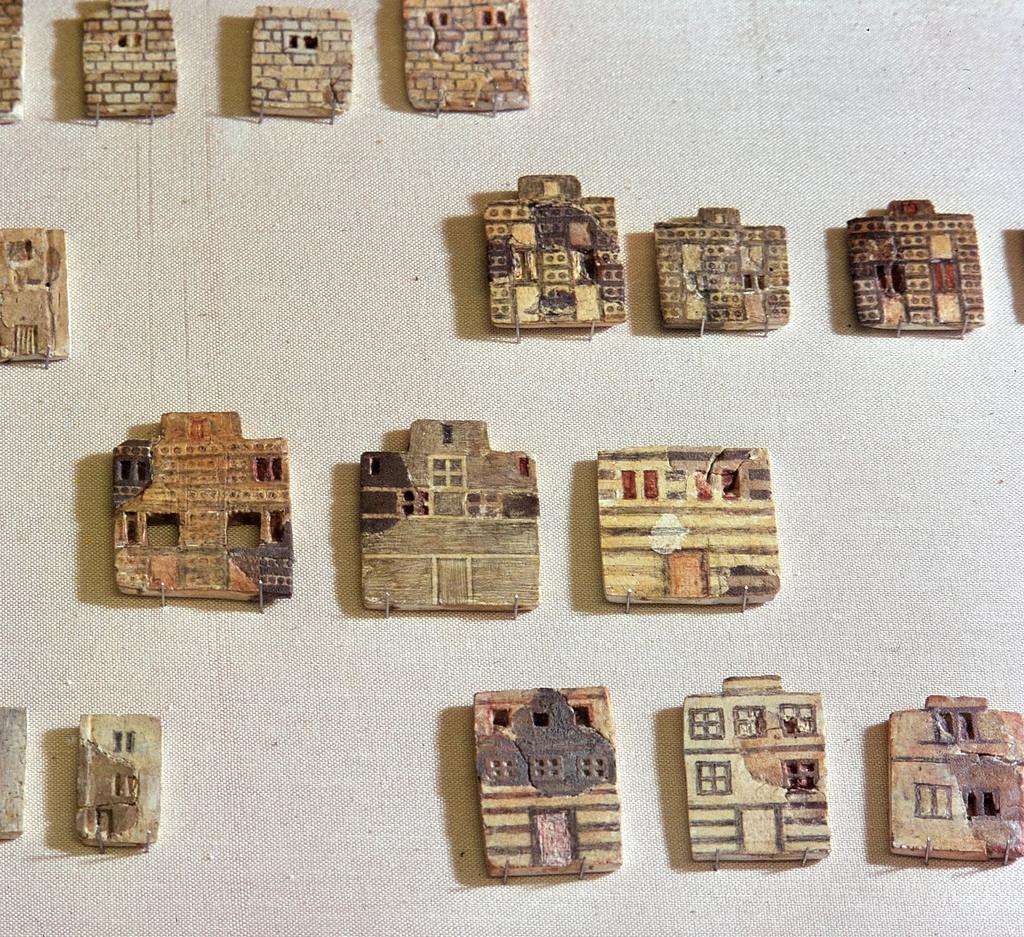 Городская мозаика. Минойская фаянсовая плитка