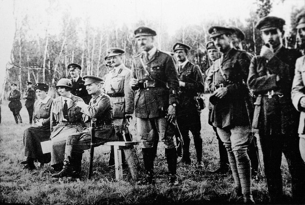 1918. А.В. Колчак с британскими офицерами на Восточном фронте