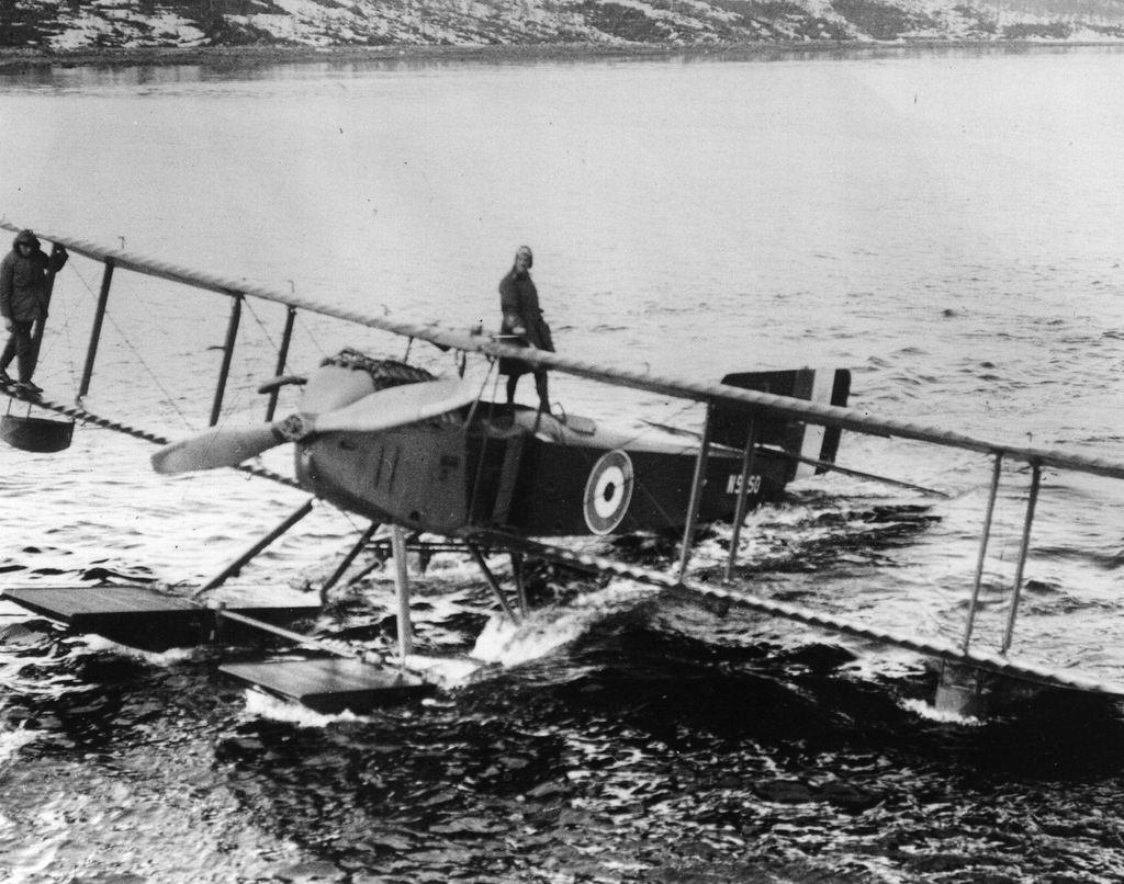 1918. Британский гидросамолет в Мурманске. 1 апреля