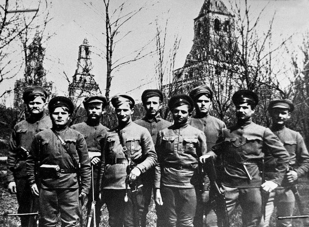1918. Красные латышские стрелки в Кремле