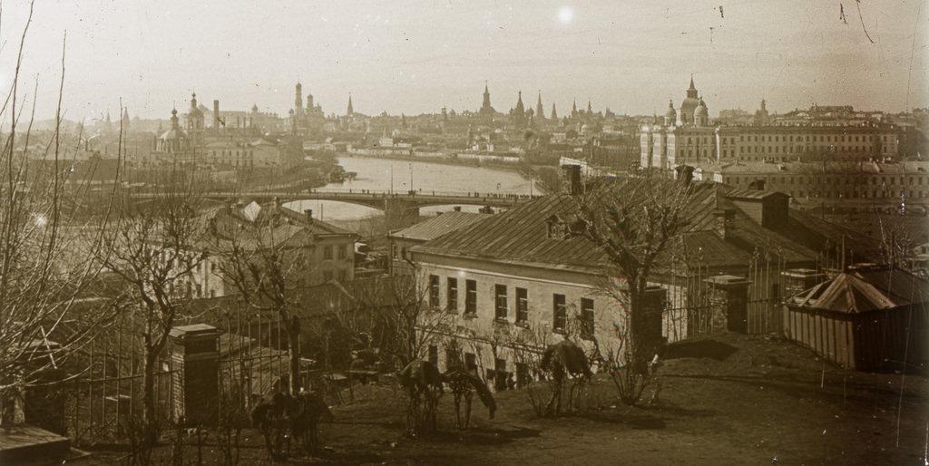 Вид на Кремль со стороны Швивой горки. 1898