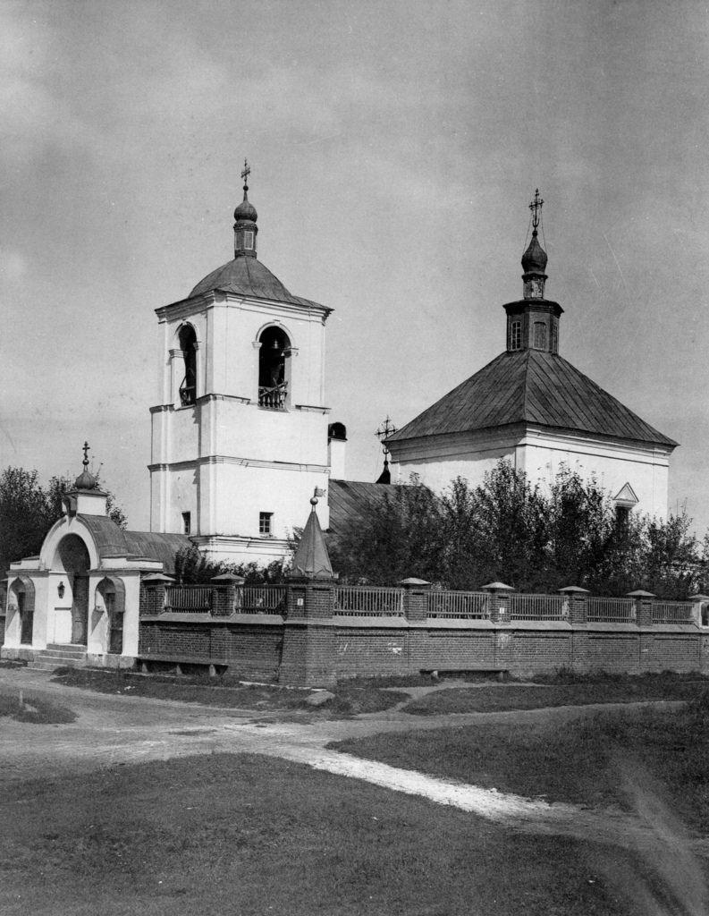 Церковь Тихвинской иконы Божией Матери в малых Лужниках