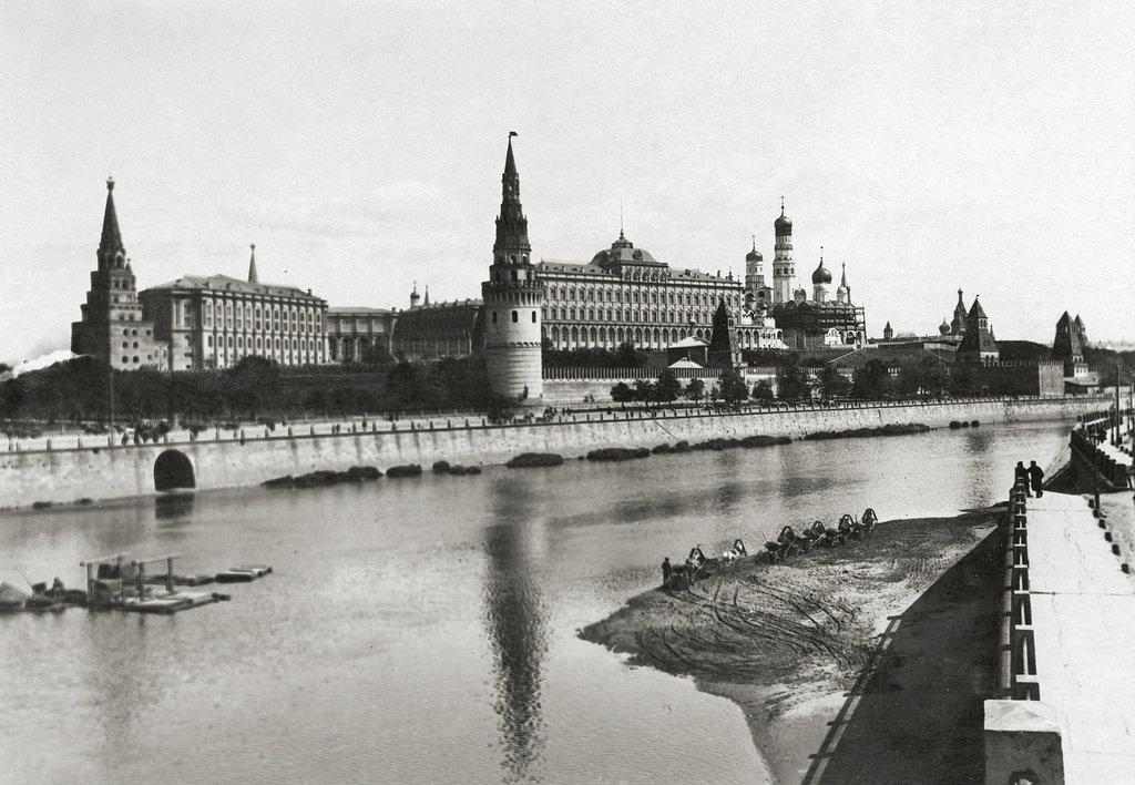 Вид на Кремль. 1896