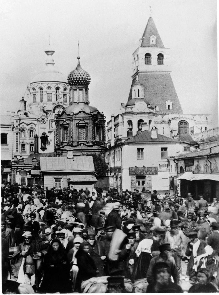 Блошиный рынок в Никольских воротах