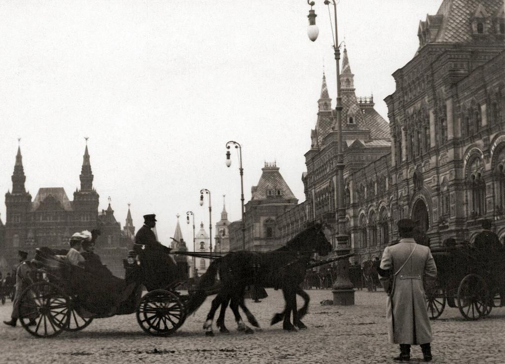 Вербное катание на Красной площади. 1908