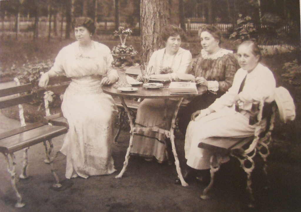 Клязьма.  Дача купца 1-ой гильдии Ивана Афанасьевича Александренко. 1916