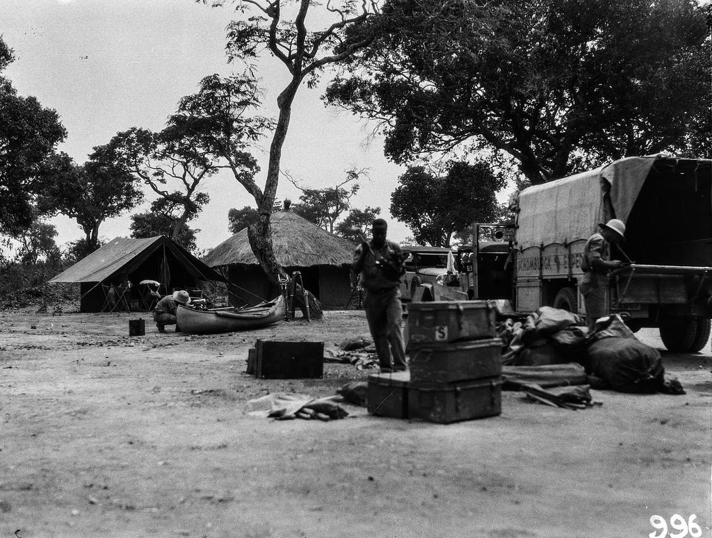Нсомбо. В экспедиционном лагере