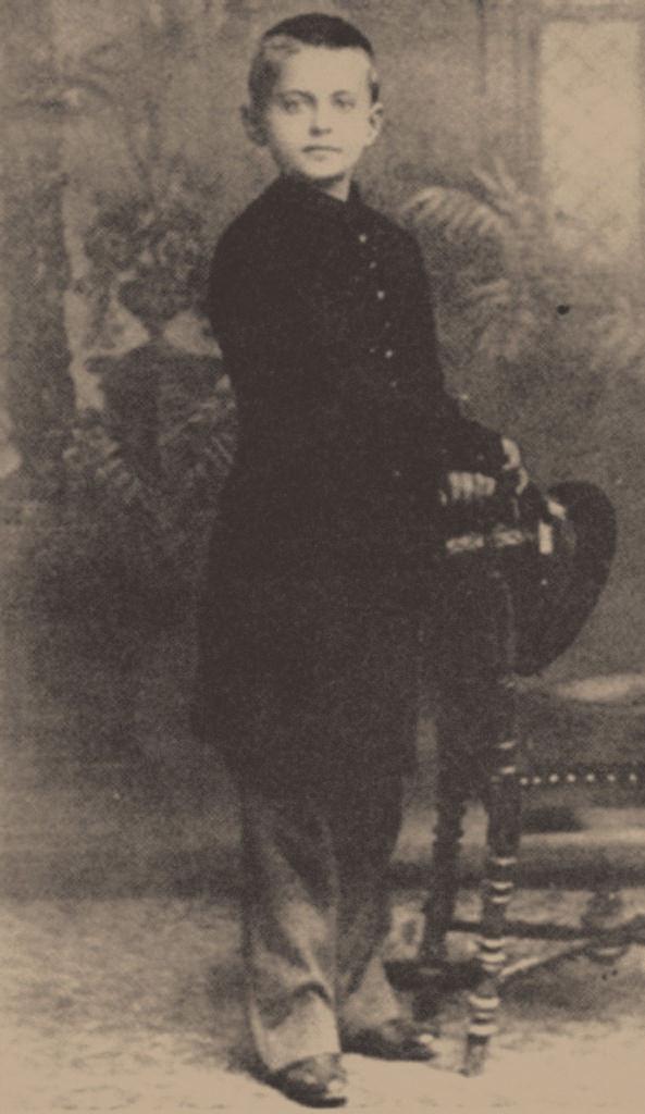 Лев Бронштейн, 1888