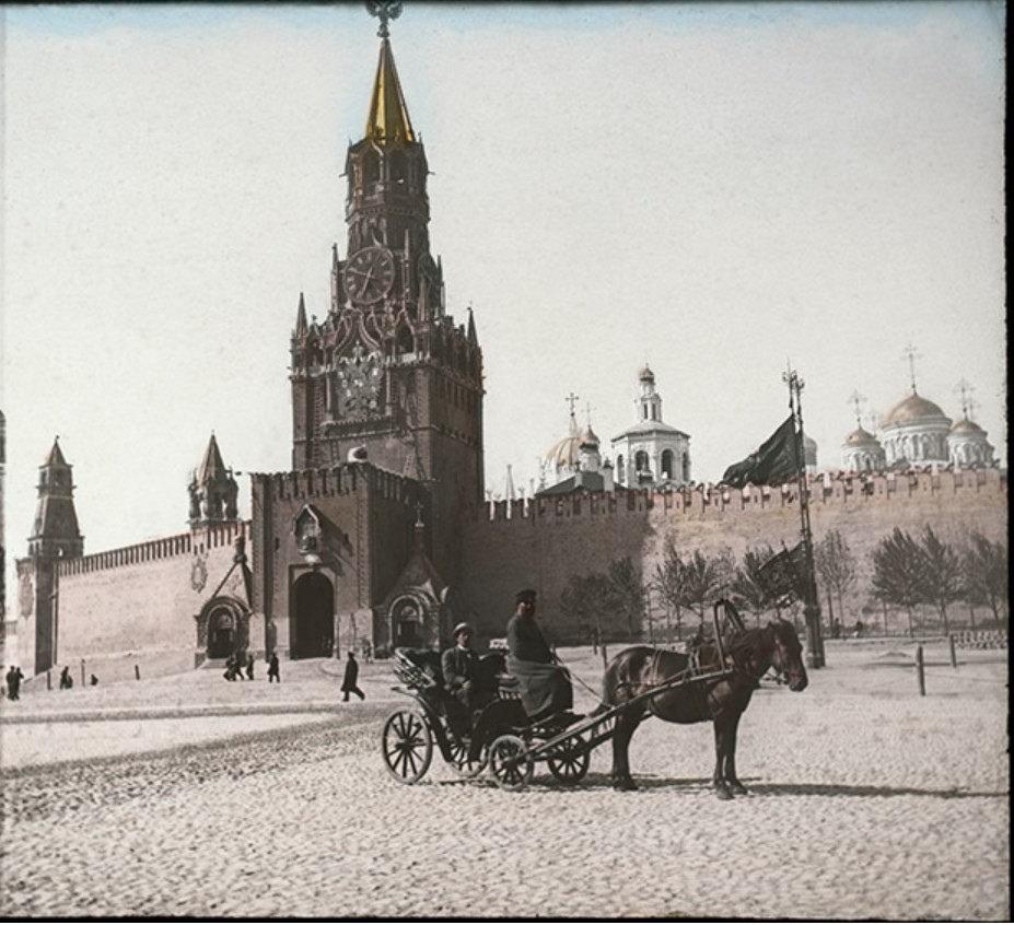 Красная площадь и Спасская башня