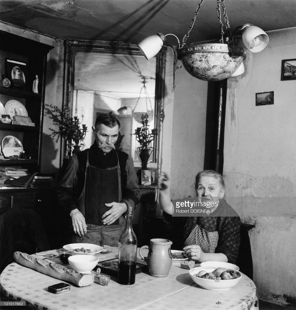 1946. Обед на рю дю Драгон
