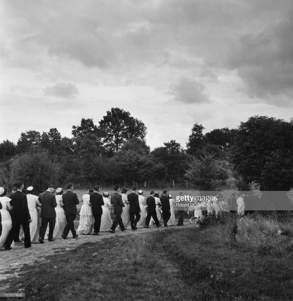 1951. Свадебная процессия