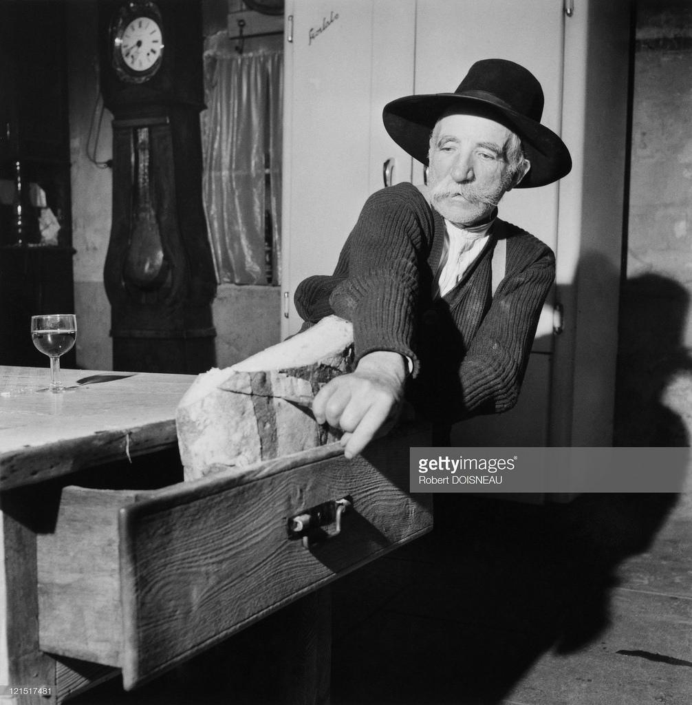 1957. Мужчина в доме  Элоис