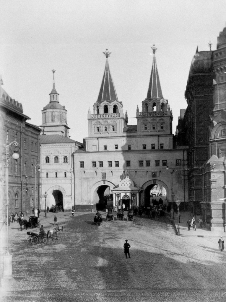 Иверские (Воскресенские) ворота