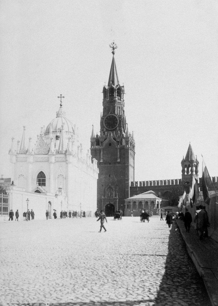 Царская площадь Кремля